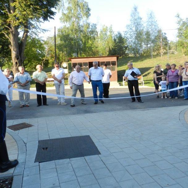 Slávnostné otvorenie parku pri OÚ