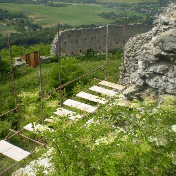 Fotogaléria z rekonštrukcie hradu 1992